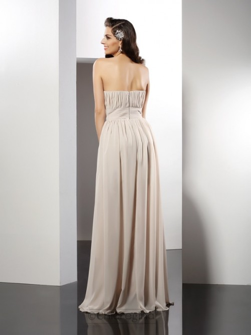 Chicregina Sheath/Column Strapless Long Chiffon Dress with Applique Pleats