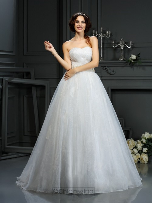 Chicregina A-Line/Princess Sweetheart Court Train Organza Wedding Dress With Ruched