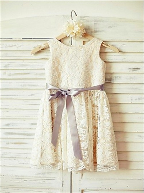 Chicregina A-Line/Princess Scoop Sleeveless Bowknot Tea-Length Flower Girl Dress with Lace