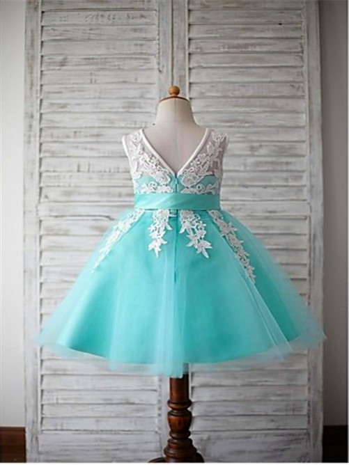 Ball Gown Scoop Sleeveless Bowknot Knee-Length Flower Girl Dress with Tulle