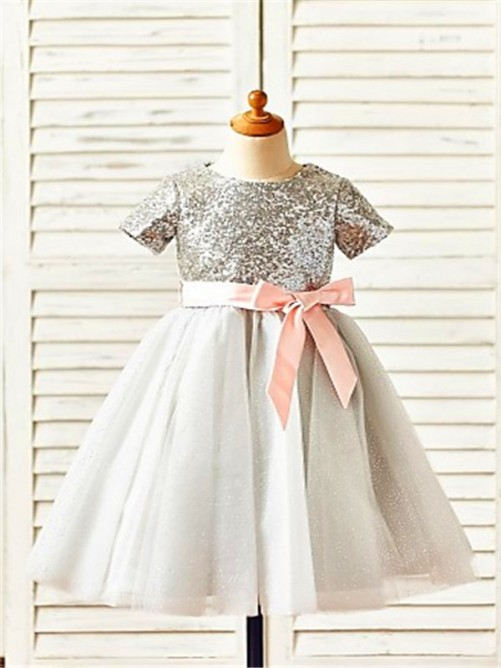 Chicregina A-Line/Princess Scoop Short Sleeves Sequin Tea-Length Dress with Tulle