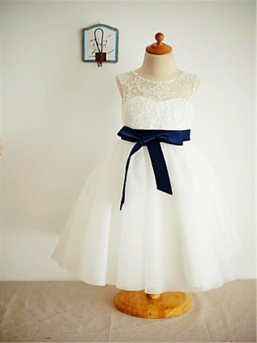 Chicregina A-Line/Princess Scoop Sleeveless Lace Ankle-Length Flower Girl Dress with Tulle