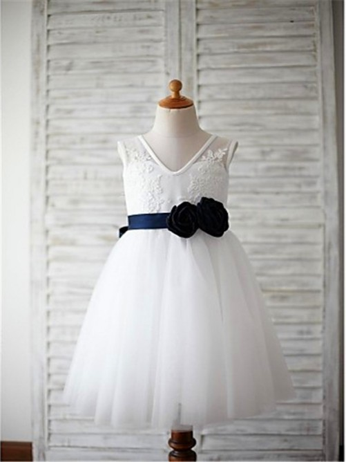 Chicregina Long A-Line/Princess V-neck Sleeveless Flower Girl Dress with Tulle