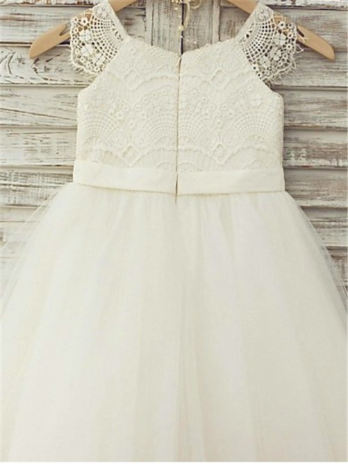 A-Line/Princess Scoop Sleeveless Lace Knee-Length Flower Girl Dress with Tulle