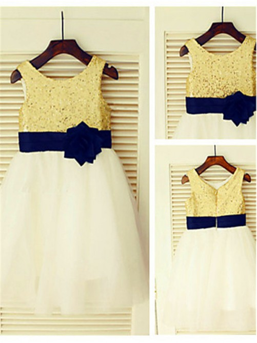 A-Line/Princess Sleeveless Scoop Sequin Knee-Length Flower Girl Dress with Tulle