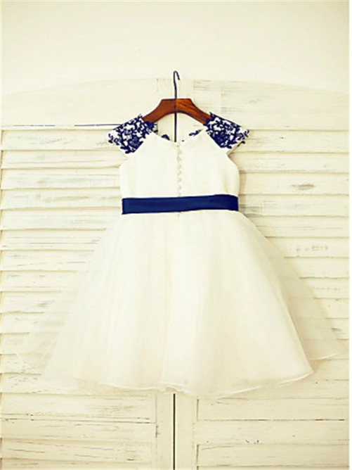 A-Line/Princess Scoop Sleeveless Applique Tea-Length Flower Girl Dress with Tulle