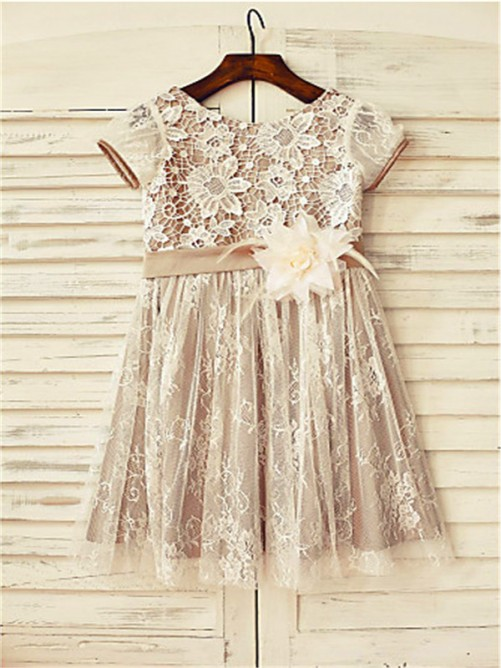 Chicregina A-Line/Princess Scoop Short Sleeves Tea-Length Dress with Lace