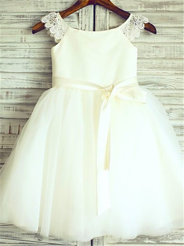 A-Line/Princess Sleeveless Scoop Sash Tulle Knee-Length Flower Girl Dresses