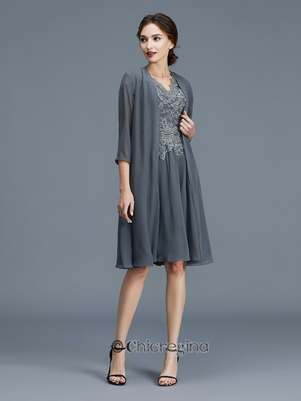 A-Line/Princess V-neck Chiffon Applique Sleeveless Knee-Length Mother of the Bride Dresses