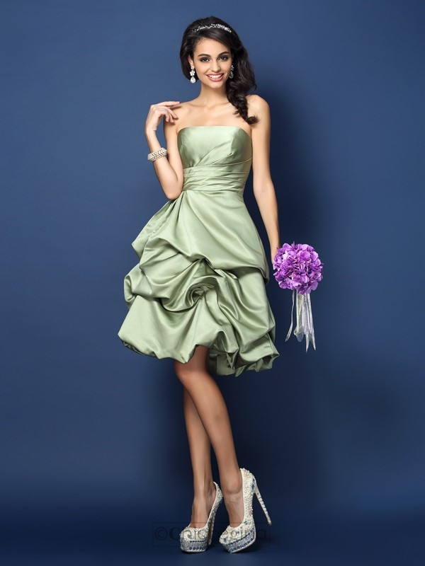 Chicregina A-Line/Princess Strapless Satin Knee-Length Bridesmaid Dress with Beading Ruched
