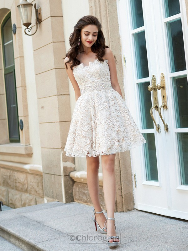 Chicregina A-Line/Princess Sweetheart Sleeveless Short Prom Dress with Rhinestone Lace