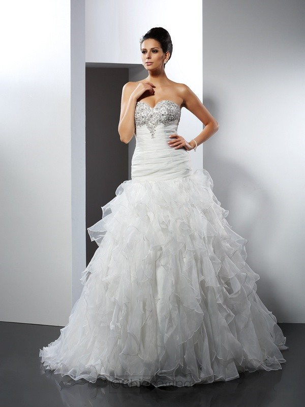 Chicregina Ball Gown Sweetheart Court Train Tulle Wedding Dress with Ruched Ruffles