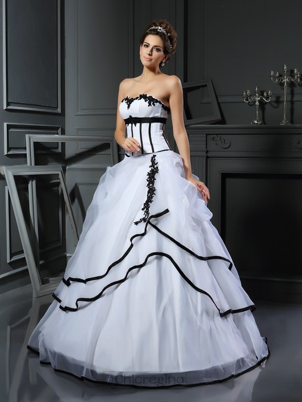 Chicregina Ball Gown Sweetheart Satin Floor-Length Wedding Dress with Applique