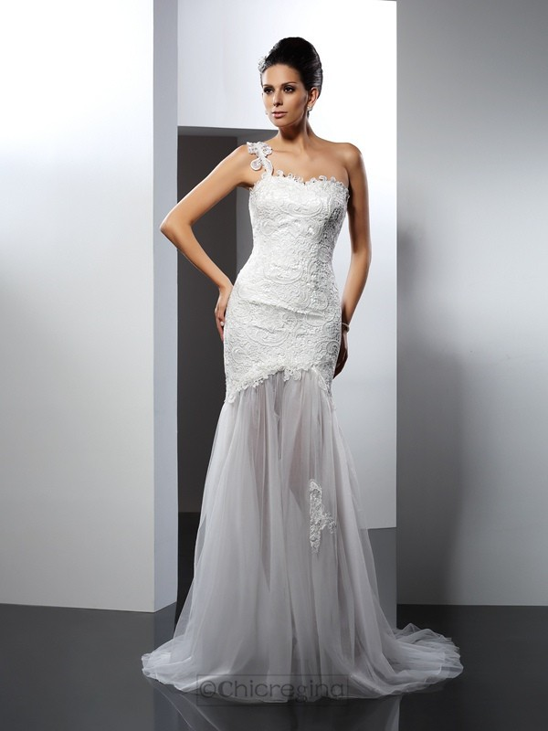 Chicregina Trumpet/Mermaid One-Shoulder Chapel Train Lace Wedding Dress with Ruffles