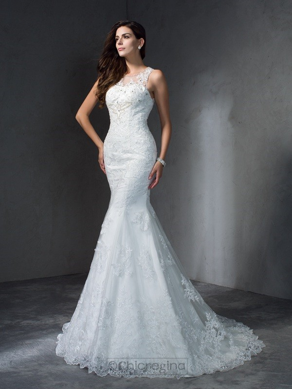 Chicregina Trumpet/Mermaid Scoop Court Train Lace Wedding Dress with Beading Applique