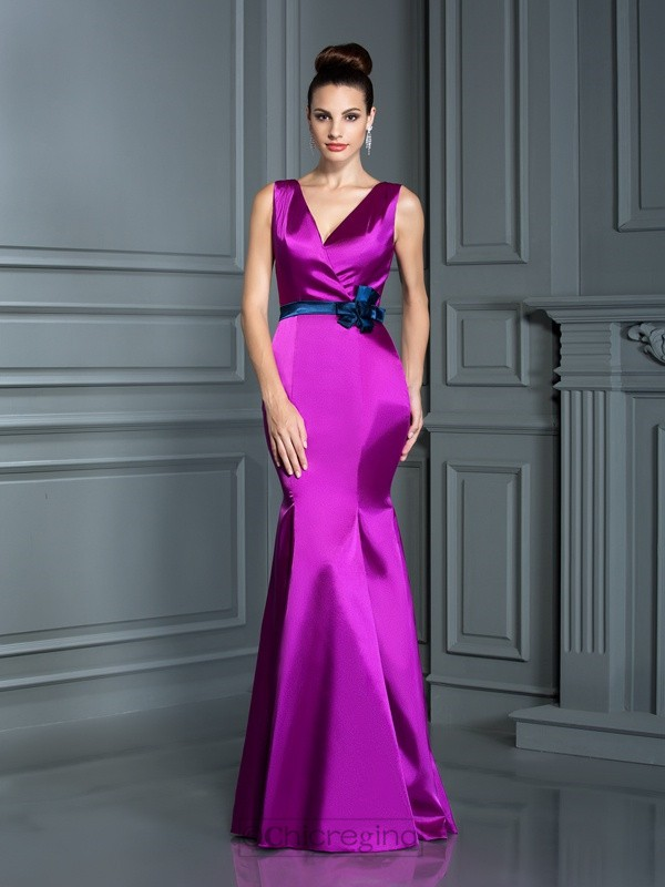 Chicregina Long Trumpet/Mermaid V-neck Elastic Woven Satin Dress with Applique