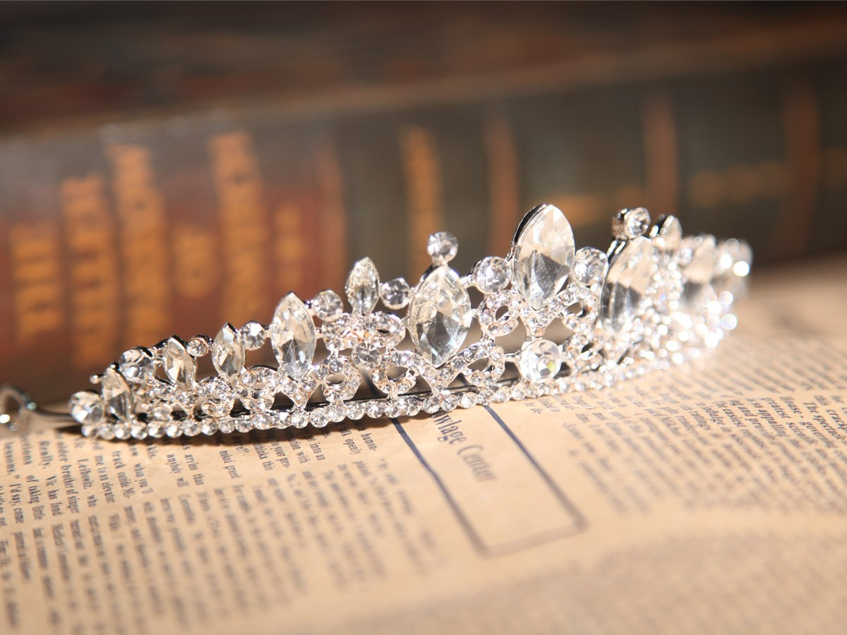 Simple Alloy Clear Crystals Wedding Headpieces