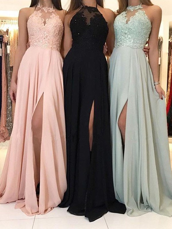 A-Line/Princess Halter Sleeveless Chiffon Ruched Sweep/Brush Train Dresses With Applique