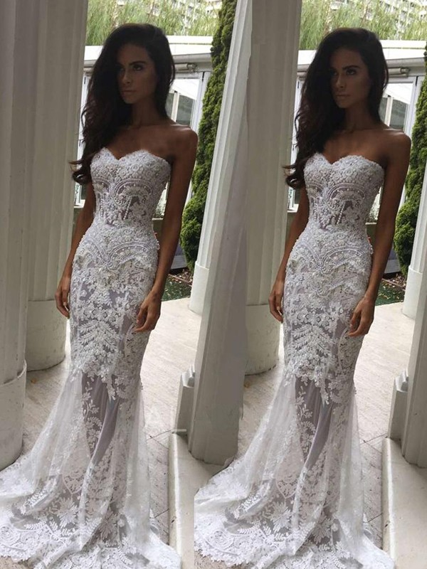 Trumpet/Mermaid Sweetheart Lace Sleeveless Court Train Wedding Dresses With Applique