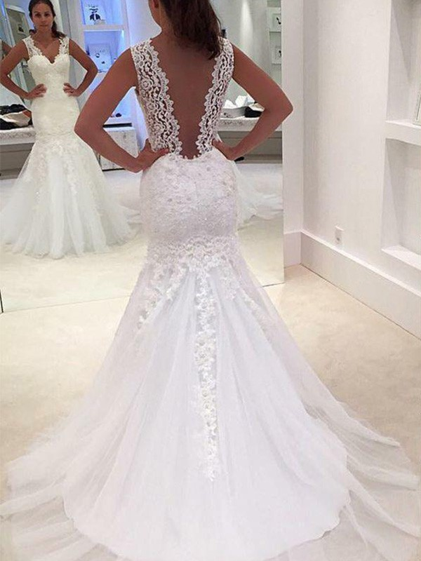Trumpet/Mermaid V-neck Sleeveless Lace Court Train Wedding Dresses With Applique