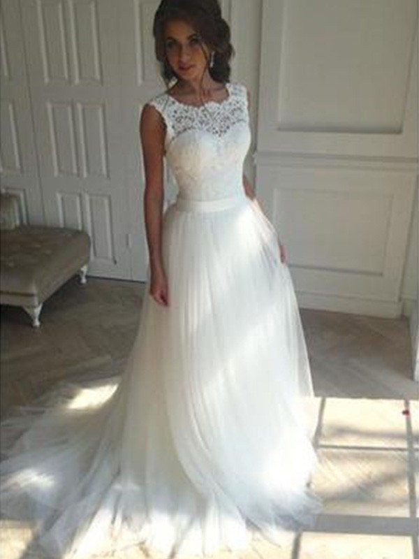 A-Line/Princess Square Sleeveless Court Train Tulle Wedding Dresses