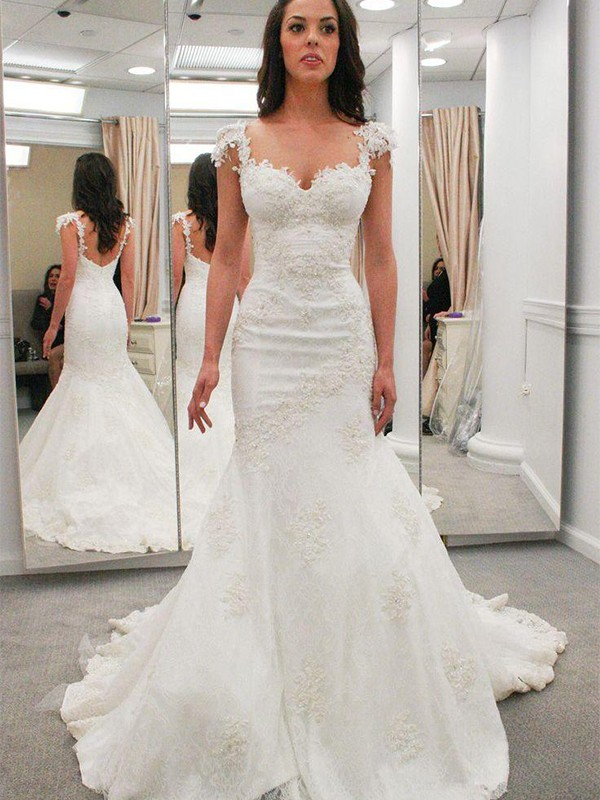 Trumpet/Mermaid Sweetheart Short Sleeves Lace Chapel Train Wedding Dresses With Applique