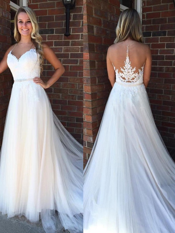 A-Line/Princess Scoop Tulle Sleeveless Court Train Wedding Dresses With Applique
