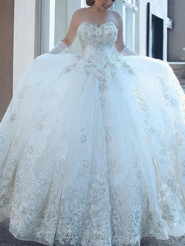 Ball Gown Sweetheart Sleeveless Cathedral Train Tulle Wedding Dresses With Applique