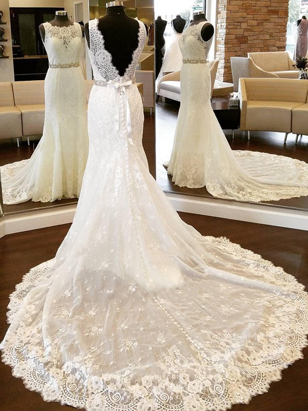 Sheath/Column Scoop Sleeveless Lace Bowknot Chapel Train Wedding Dresses
