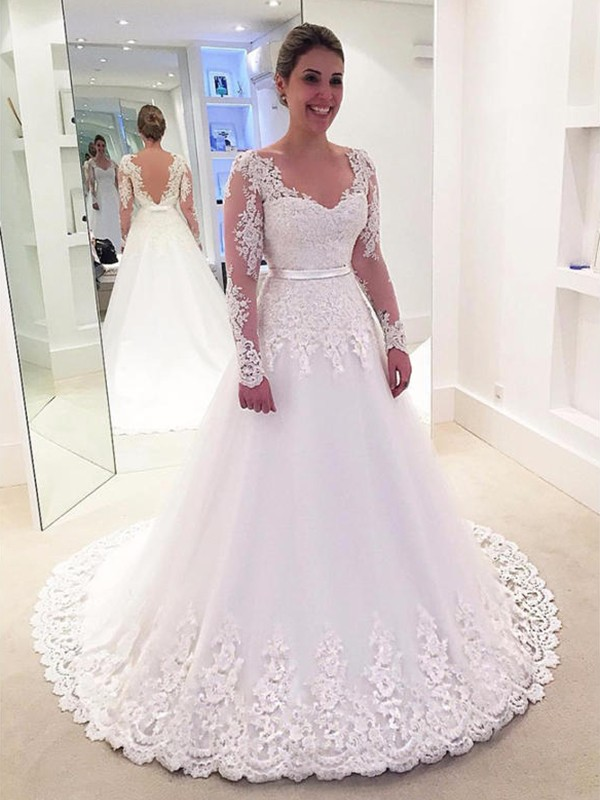 A-Line/Princess V-neck Lace Long Sleeves Tulle Sweep/Brush Train Wedding Dresses With Applique