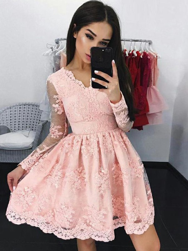 A-Line/Princess Lace V-neck Long Sleeves Short Dresses With Applique