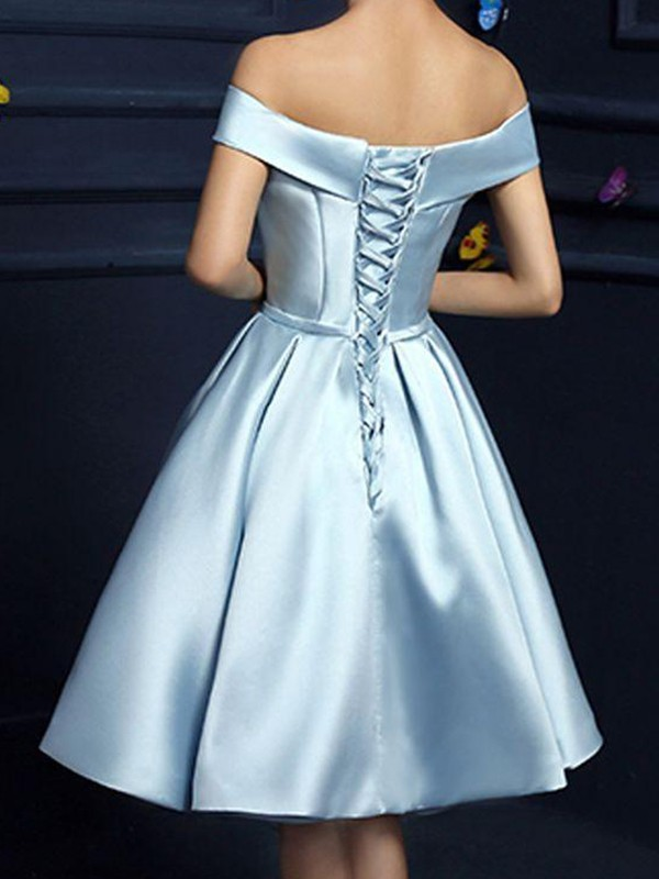 A-Line/Princess Bowknot Off-the-Shoulder Sleeveless Satin Knee-Length Dresses