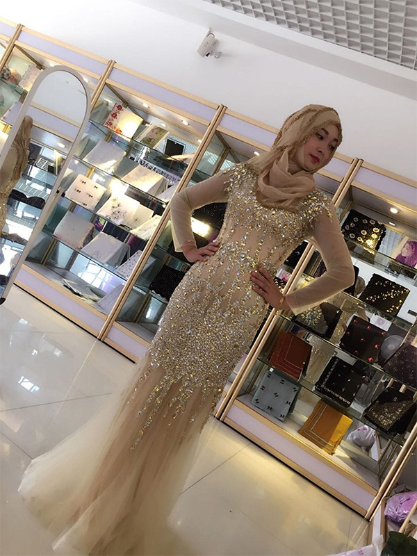 Sheath/Column Scoop Long Sleeves Sequin Tulle Floor-Length Muslim Dresses
