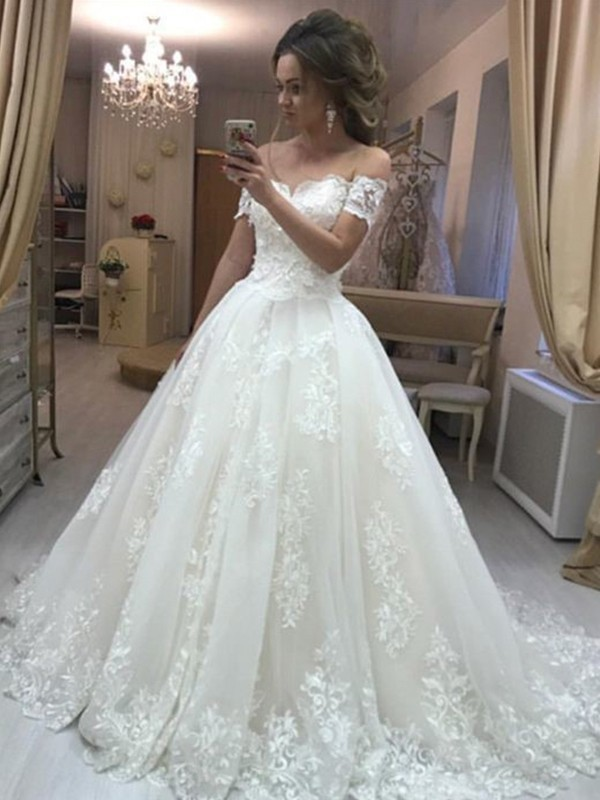 A-Line/Princess Off-the-Shoulder Sleeveless Tulle Applique Sweep/Brush Train Wedding Dresses