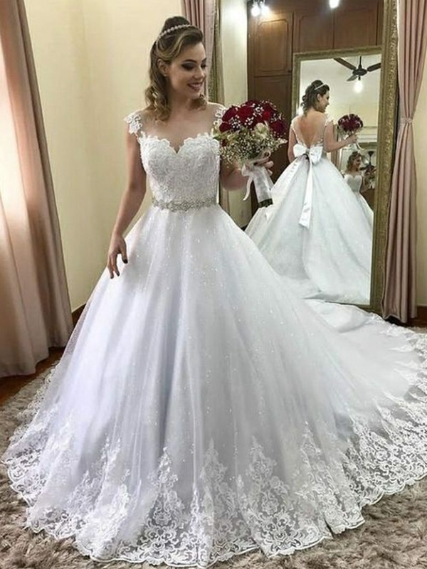 Ball Gown Sweetheart Sleeveless Tulle Court Train Beading Wedding Dresses