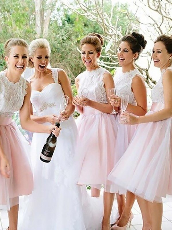 A-Line/Princess Scoop Tulle Sleeveless Knee-Length Bridesmaid Dresses