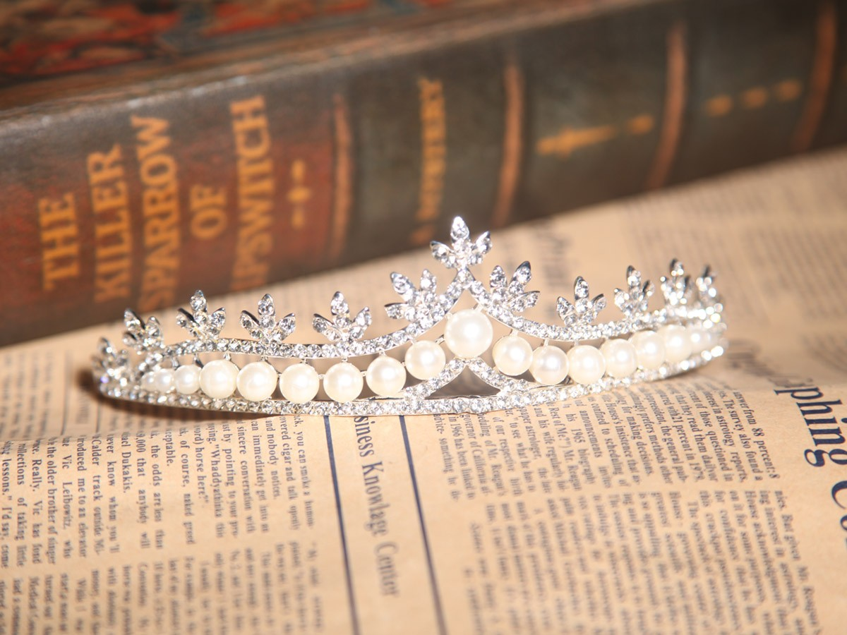 Elegant Alloy With Czech Rhinestones Pearls Wedding Headpieces