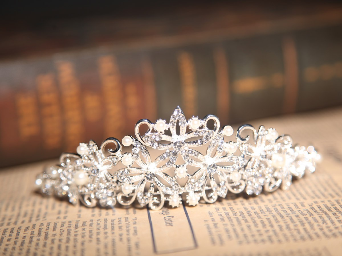 Beautiful Alloy Clear Crystals Pearls Wedding Headpieces